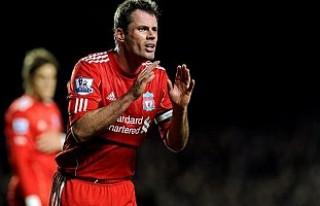 Eski Liverpoollu futbolcu küçük kıza tükürdü