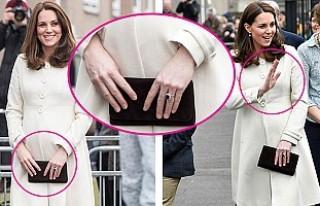 İngiltere, Kate Middleton'un Parmaklarını...