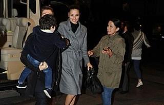 Metin Hara, Adriana Lima'yı ailesiyle tanıştırdı