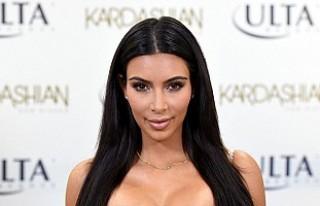 Photoshop'un ayarını kaçıran Kim Kardashian,...