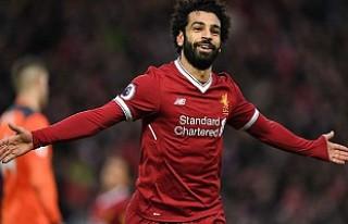 Salah golleriyle Liverpool'u taşıyor