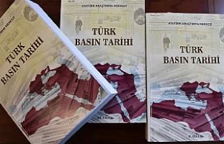 """Üç ciltlik """"Türk Basın Tarihi"""" kitabı..."""
