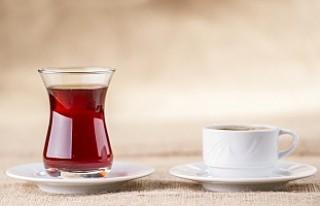 Çay ve kahve ses tellerini kurutuyor!