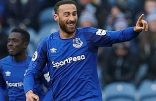Cenk Tosun'lu Everton tek golle kazandı
