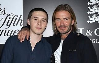 David Beckham'ın oğlu, yeni sevgilisiyle öpüşürken...