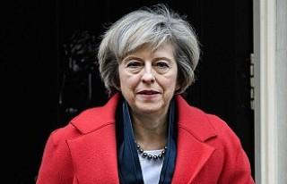 İngiltere Başbakanı May'den Esad'ın...