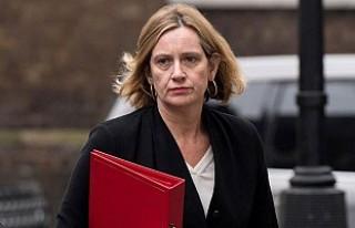 Yalan Beyan, İngiltere İçişleri Bakanını İstifa...
