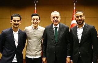 Ada'daki Türk Futbolculardan Erdoğan'a...