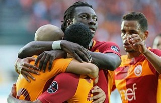 Akhisarspor'u Yenen Galatasaray Zirvedeki Yerini...