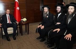 İsrail Karşıtı Hahamlar Erdoğan'ı Ziyaret...