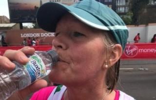 Londra Maratonu'nda kadın koşucu su komasına...