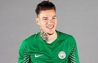 Manchester City kalecisi Guinness rekorlar kitabına...