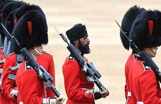 Hindistanlı asker, Kraliçe Elizabeth'in doğum...