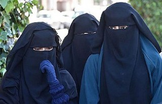 Hollanda Senatosu burka yasağını onayladı