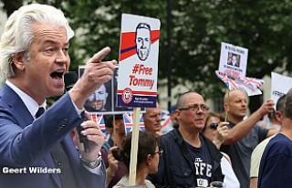 Londra'da 'Wilders'li ırkçı gösteri