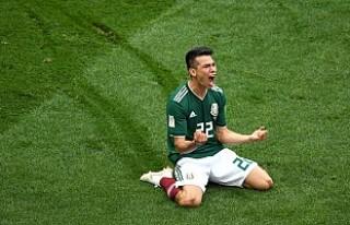 Meksika, son şampiyon Almanya karşısında 1-0 öne...