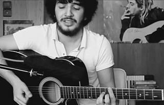 Şarkıcı Onur Can Özcan'ın cansız bedenine...