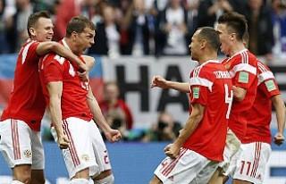 Turnuvanın açılış karşılaşmasında Rusya:...