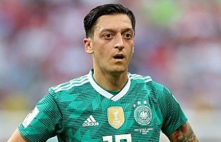 Almanya Milli Futbol Takımı'ndan Mesut Özil...