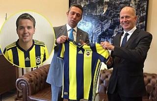İngiliz Büyükelçi Dominick Chilcott, Sıkı Fenerbahçeli...