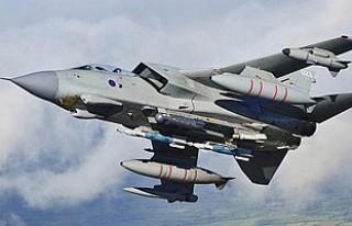 'İngiliz jetleri rejim destekçilerini bombaladı'...