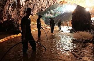 Tayland'da mağaradan kurtarılan çocukların...