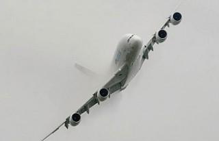 Ali Fırtınası İngiltere'de Hava Ulaşımını...