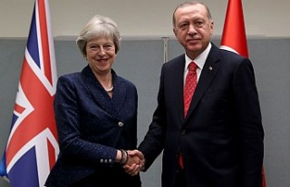 Cumhurbaşkanı Erdoğan, Theresa May ile bir araya...