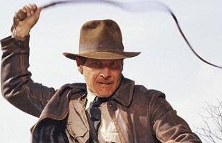 Indiana Jones'un şapkası 520 bin dolara satıldı