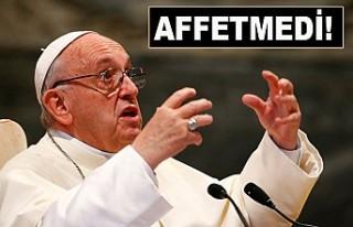 Papa, çocuk istismarcısı papazı kovdu