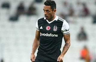 Beşiktaş'ta Adriano 8 maç sonra sahalara döndü