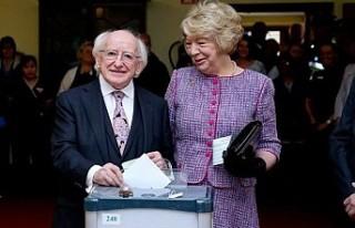 İrlanda halkı cumhurbaşkanı ve anayasa için sandığa...