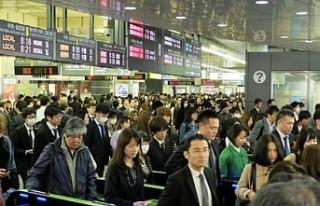 Japonya'da 200 kişi aşırı çalışmaktan...
