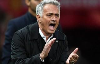 Jose Mourinho'nun ettiği küfürler İngiltere'de...
