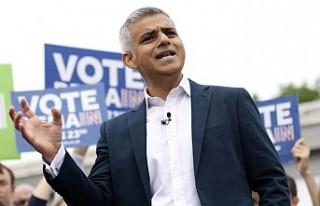 Londra Belediye Başkanı Khan'dan Brexit ertelenebilir...