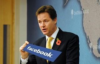 Siyasi Hayatı Biten Başbakan Yardımcısı Facebook'ta...