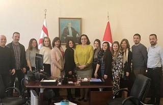 Öğretmenlerden Büyükelçi Tuncalı'ya Ziyaret