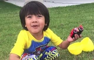8 yaşındaki çocuk, youtube'tan 22 milyon dolar...