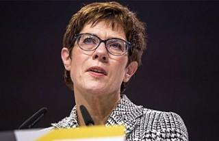 Merkel'in koltuğuna Annegret Kramp-Karrenbauer...