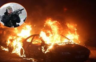 Paris sokaklarında ses bombaları patladı