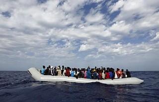 Avrupa 49 göçmeni denize mahkum etti!