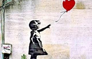 Banksy'nin Paris'te Bataclan duvarına yaptığı...