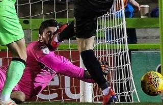 İngiliz kaleci golü önledi ama üç dişini kaybetti