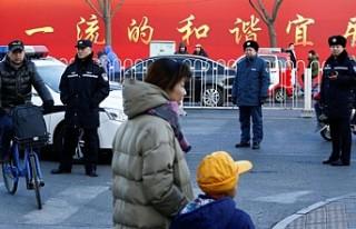 Pekin'de ilkokula bıçaklı saldırı: 3'ü...