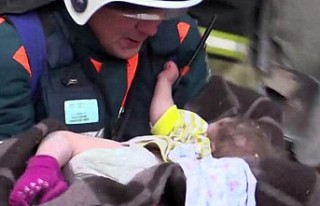 Rusya: Eksi 17 derecede bina enkazından çıkarılan...