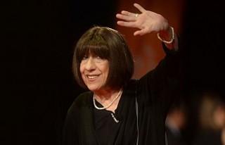 Ünlü oyuncu Ayşen Gruda hayatını kaybetti
