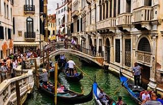 Venedik, kısa süreli turistlerden 10 euro giriş...