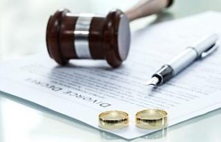 İngiltere'de çiftler kolay boşanacak!
