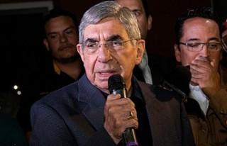 Nobel Barış Ödülü sahibi Oscar Arias'a tecavüz...