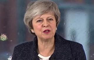 Theresa May'den Kuzey İrlanda'da 'sınır'...